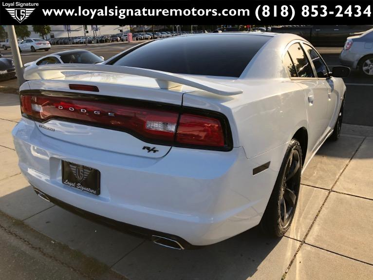 Used-2014-Dodge-Charger-SXT