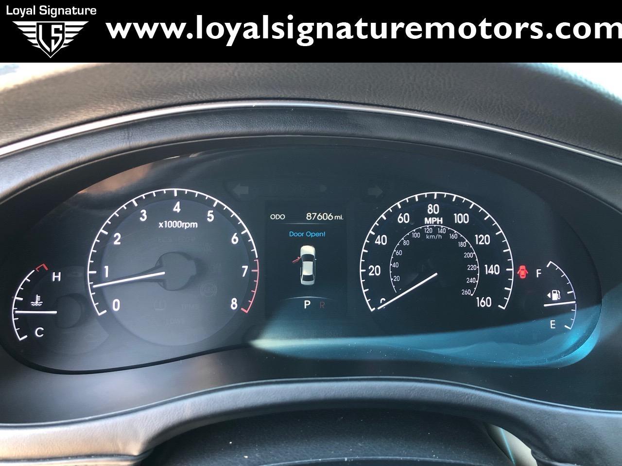 Used-2012-Hyundai-Genesis-50L-R-Spec