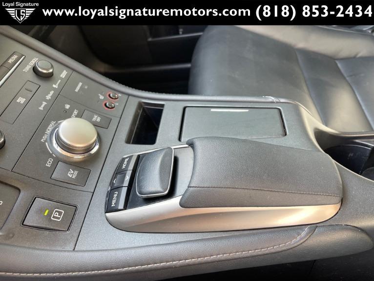 Used-2014-Lexus-CT-200h