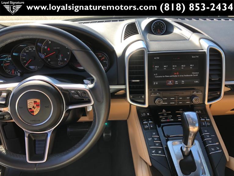 Used-2017-Porsche-Cayenne