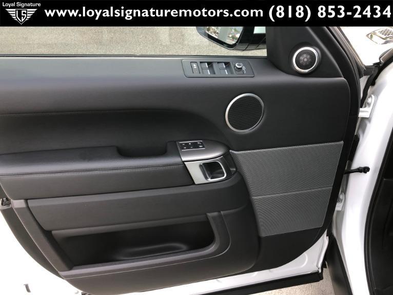 Used-2017-Land-Rover-Range-Rover-Sport-SE-Td6