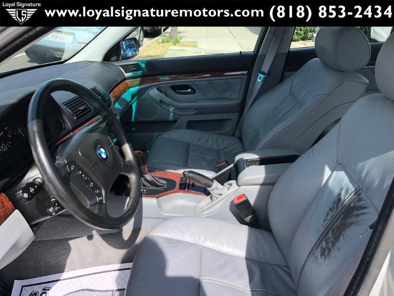 Used-2001-BMW-5-Series-525i