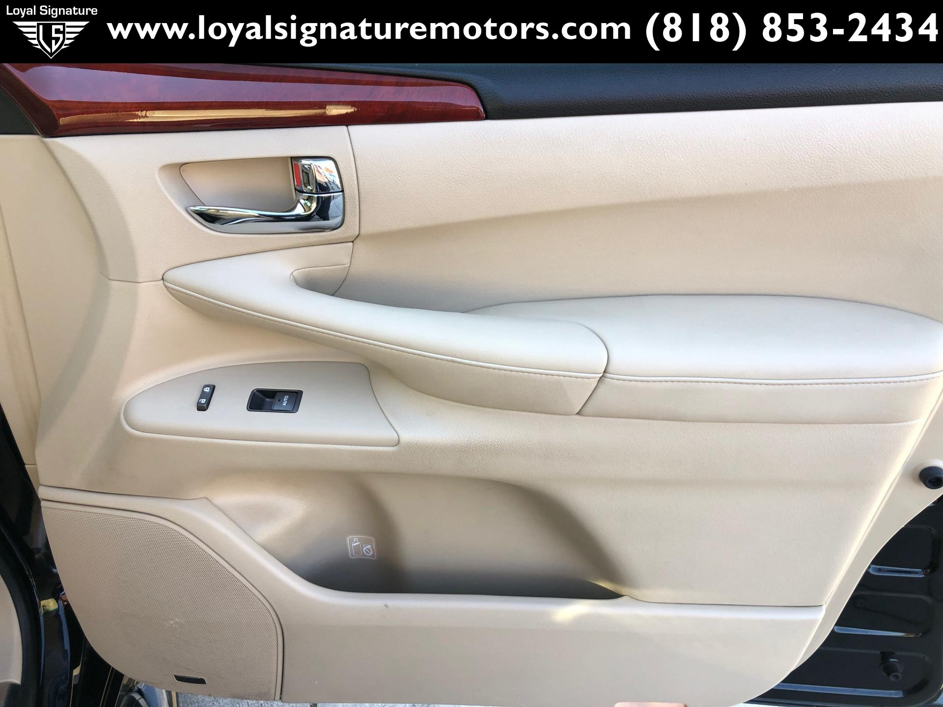Used-2009-Lexus-LX-570