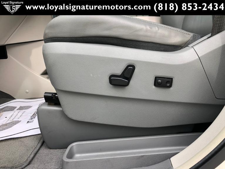 Used-2011-Volkswagen-Routan-SEL