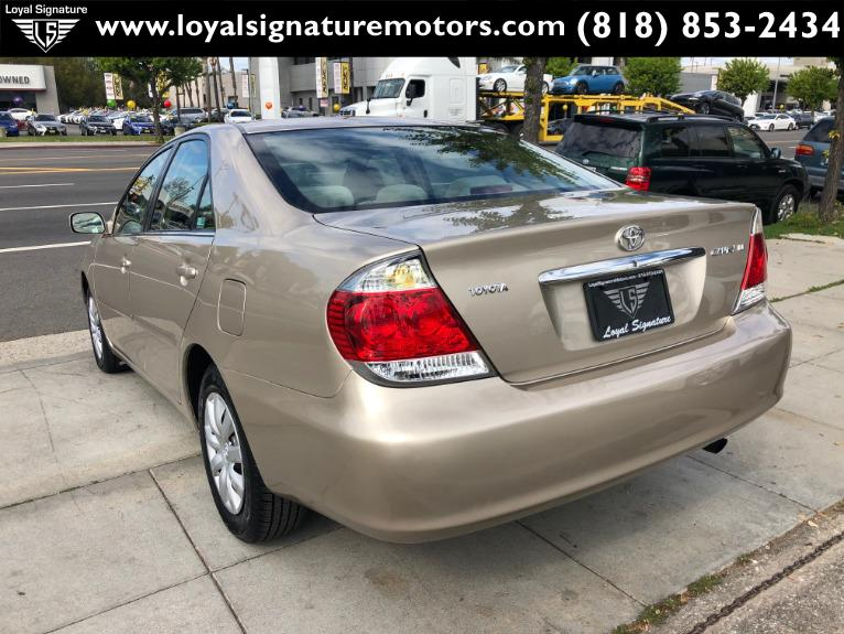 Used-2005-Toyota-Camry-LE