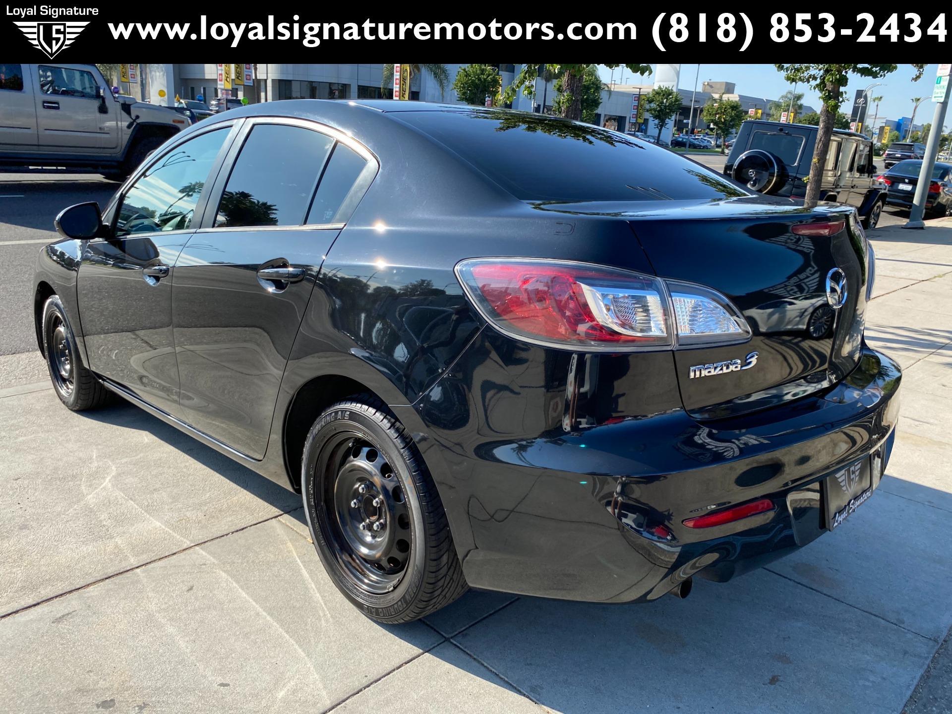 Used-2013-Mazda-Mazda3-i-SV