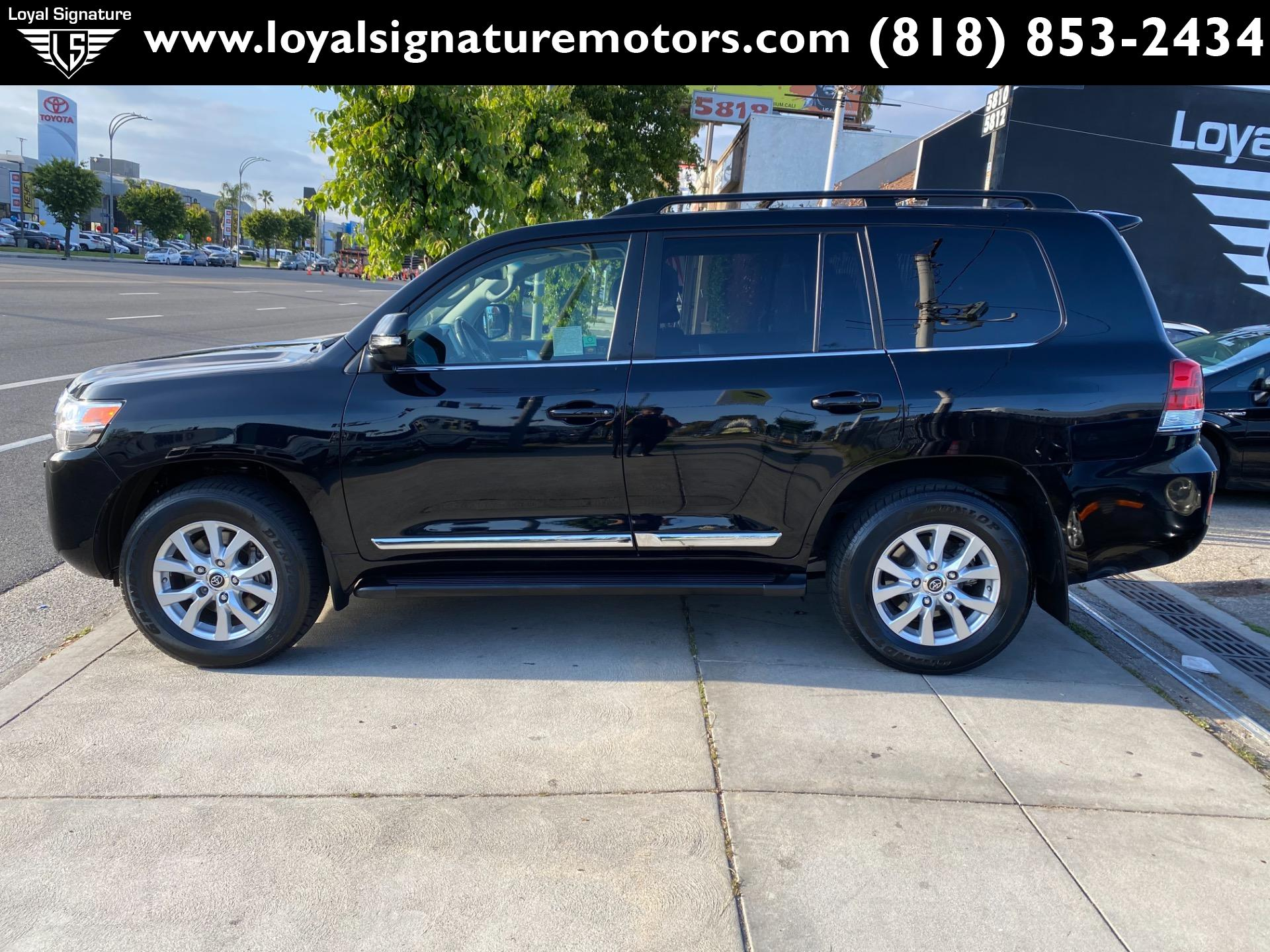 Used-2019-Toyota-Land-Cruiser