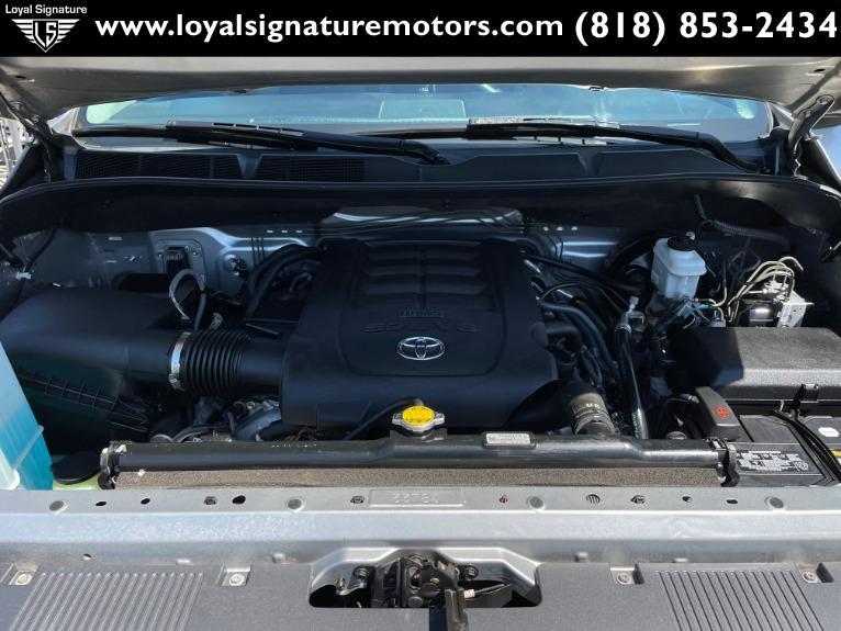 Used-2014-Toyota-Tundra-SR5